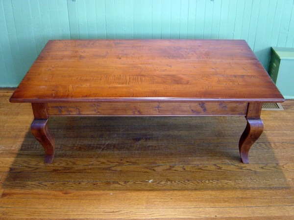 Mild Tiger Maple French Country Cabriole Coffee Table - Occasional Tables « Antique Tables